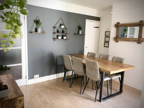 Cosy 4 bed Teignmouth house NEW TO AIRBNB 2021
