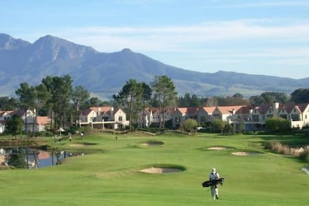 Luxury suite in security golf estate. - Paarl - Apartamento