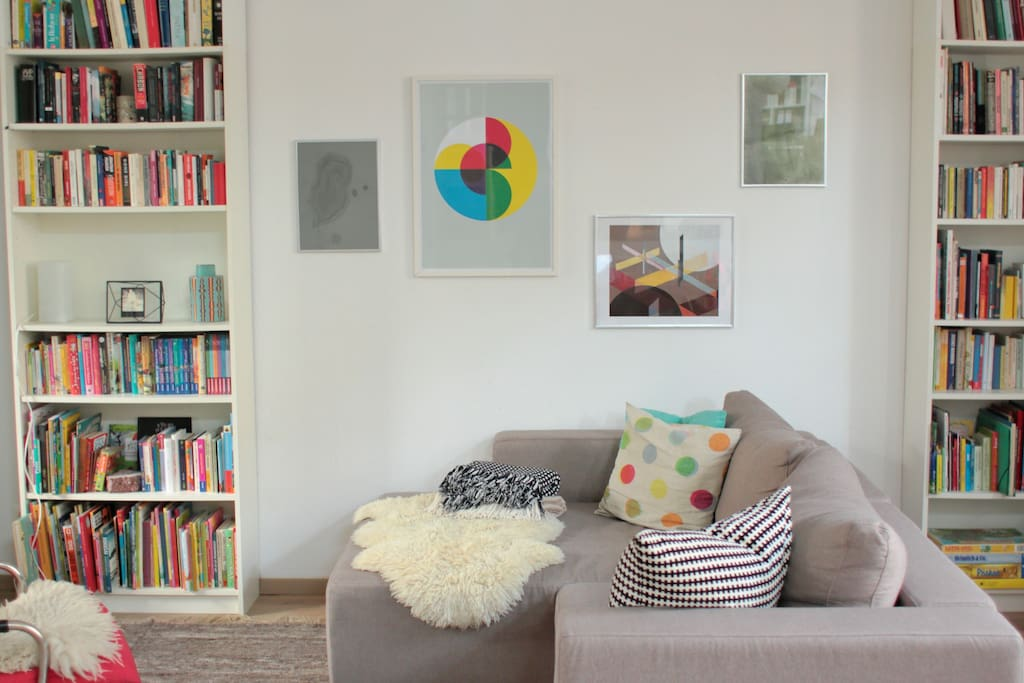 Living Room (sofa pulls out to a 140 x 200 cm bed)