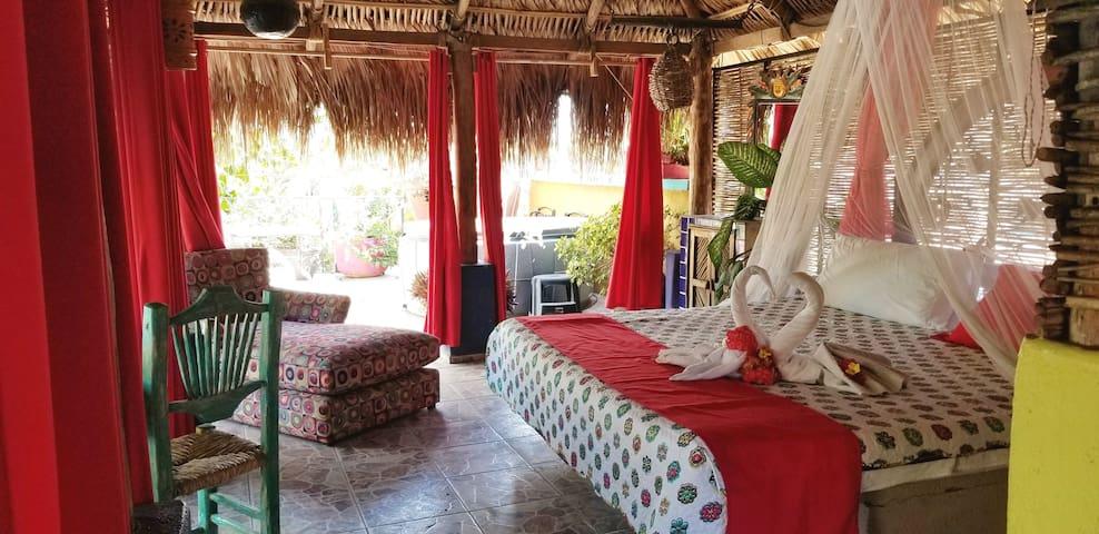 Cabo Inn Hotel:  King Palapa