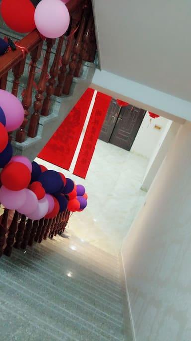 二楼至三楼楼梯