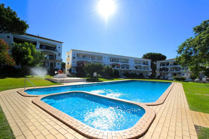Pinhal do Golf CD 157 | Free Wifi | Pool view