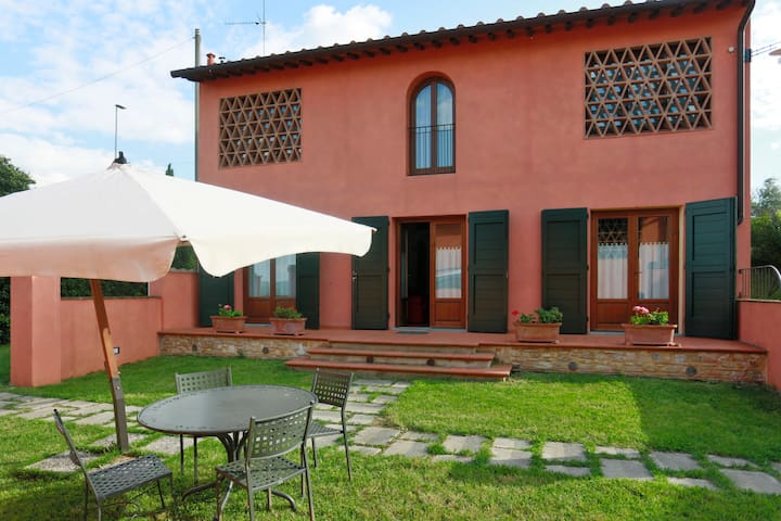 Villa 2 between Florence and Sienna - Leoni - Villa