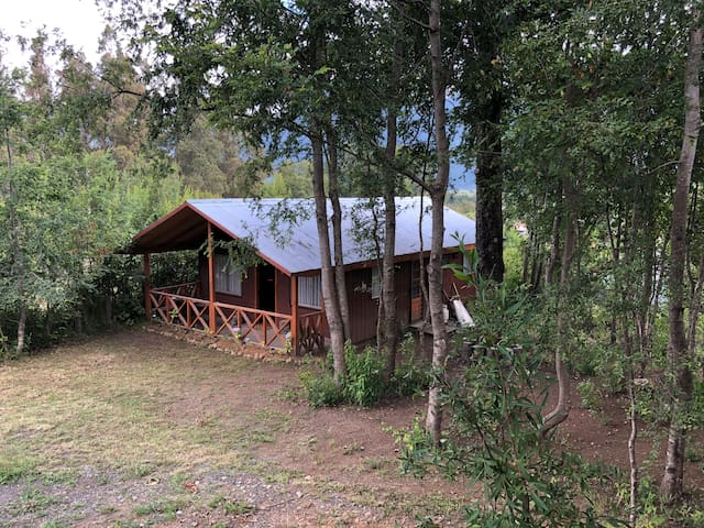 Cabaña 6 personas, cercana a termas, 500 mts2