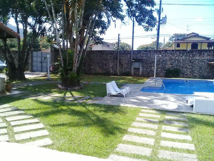 Caraguatatuba  casa c piscina 5 suítes Martim d Sa
