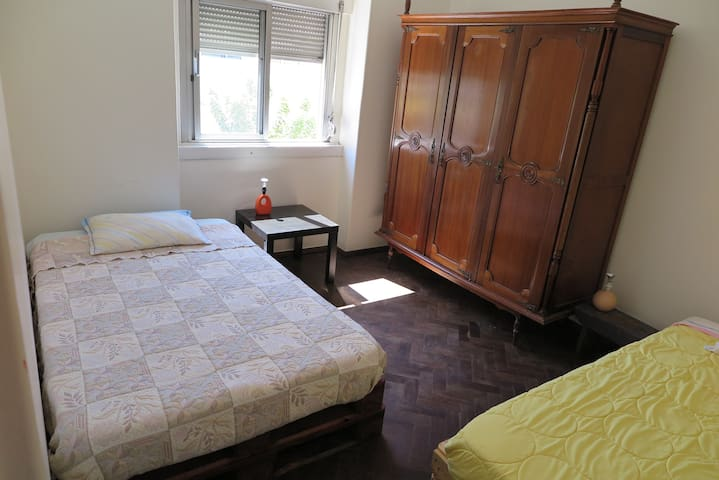 Room with 2 Beds (max 3 persons), near the airport