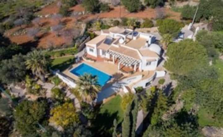Villa Luxe climatisée 3 chambres 2 SDB & Piscine