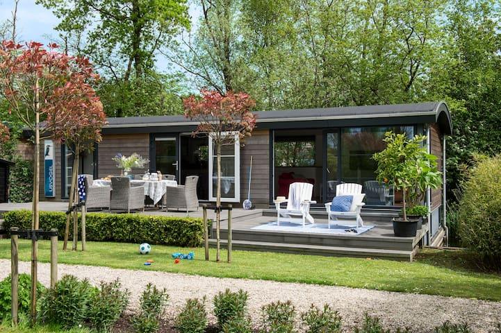 AMSTERDAM:.Loosdrecht Watervilla 8p - Loosdrecht