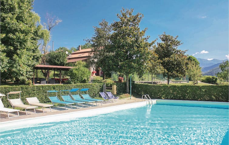 Holiday apartment with 2 bedrooms on 120m² in Fivizzano (MS)