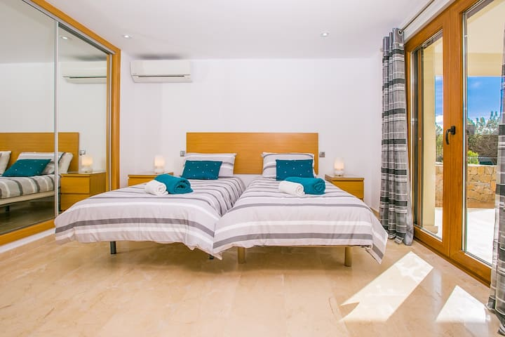 Rafalet (Ensuite Twin / Double Room inc Breakfast)