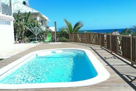 Villa 6 personnes avec piscine et vue mer