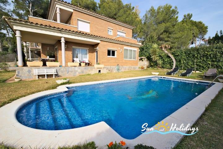 Preciosa villacon piscina a 850m de la playa R156