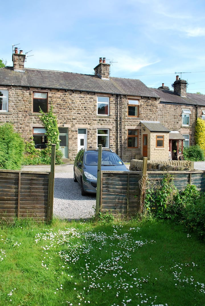 Peak District Country Escape (Back room)