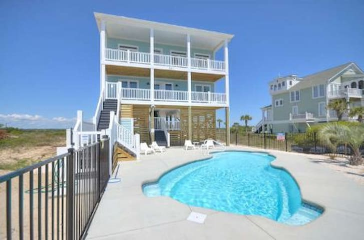 Sunset Pointe-Pool-Oceanfront