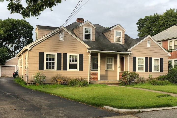 Newton 3 br left side of duplex 5 miles to Boston