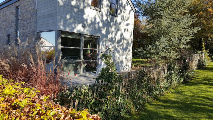 JOLIE MAISON NEUVE ET LUMINEUSE AVEC TERRASSE - Bastogne - House