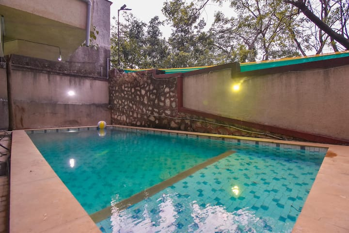 Maham villa 4 bhk in Khandala by Limestays