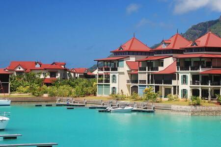 Eden Island Apartment overlooking Marina
