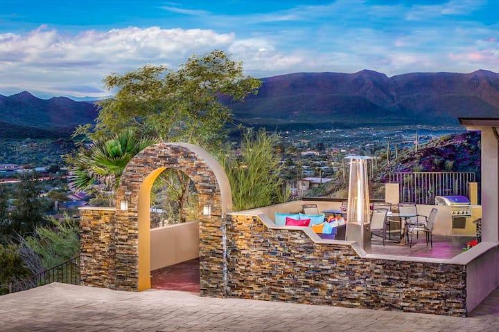Gorgeous & modern home w/ private hot tub & desert views!