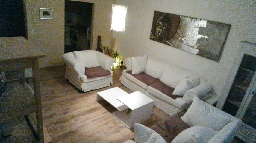 Günstige und Bequeme Übernachtung - Neumünster - Apartment