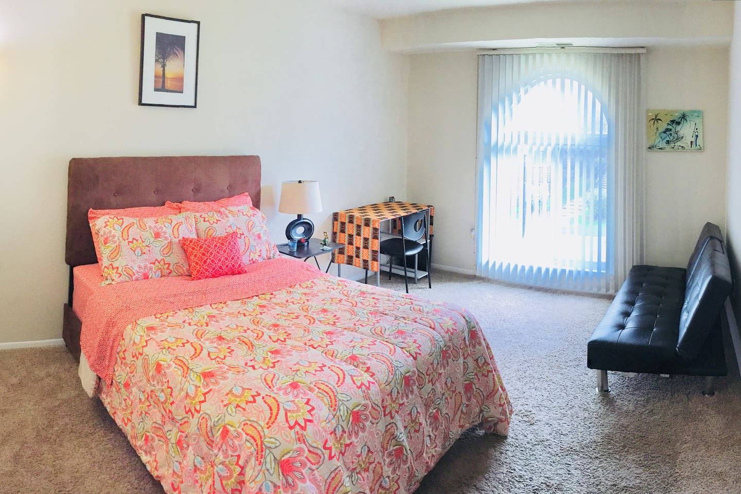 Splendid room filled with sunshine ready for you!