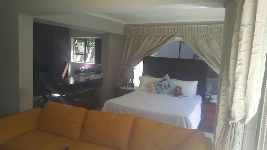Gracious cottage - Roodepoort - อพาร์ทเมนท์