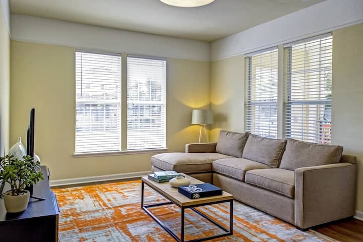 Clean apt just for you | 1BR in Tallahassee