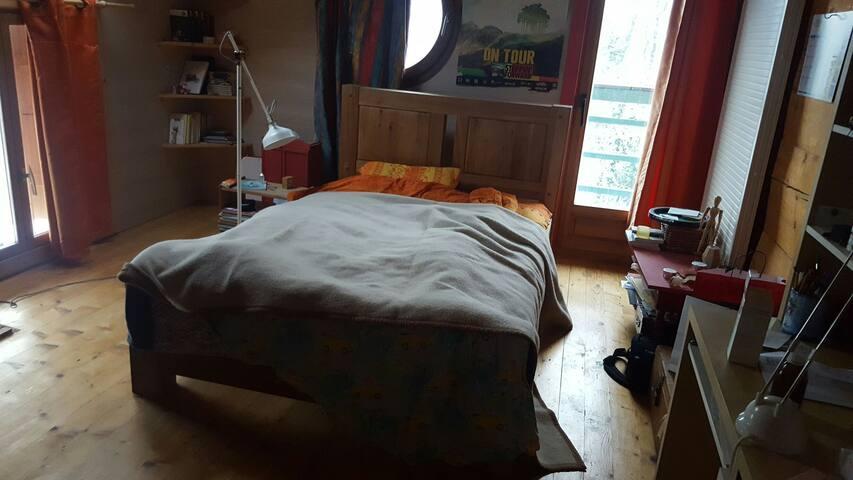 Chambre a louer avec lit double - Copponex - Hus