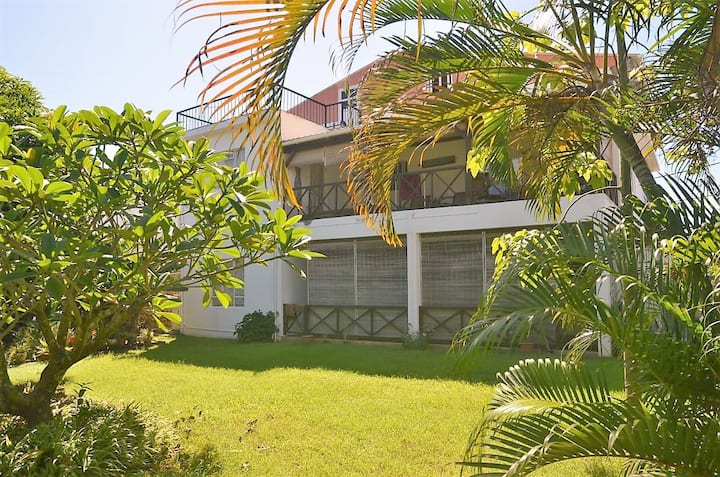 Pereybere House (3mins walk to the beach)