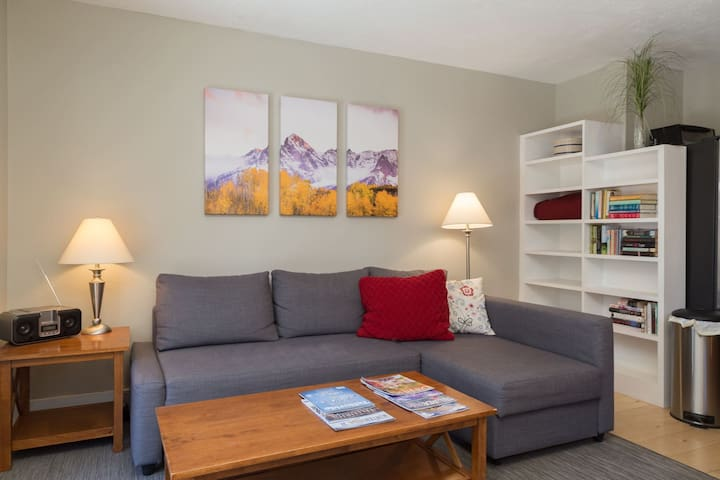 Enjoy this Sunny Condo with a Year-Round Pool & Hot Tub in a Fantastic Location Just Steps to Main Street