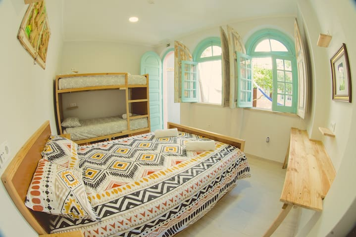 Kali Vice Surf Villa - Private suite with Bunk Bed