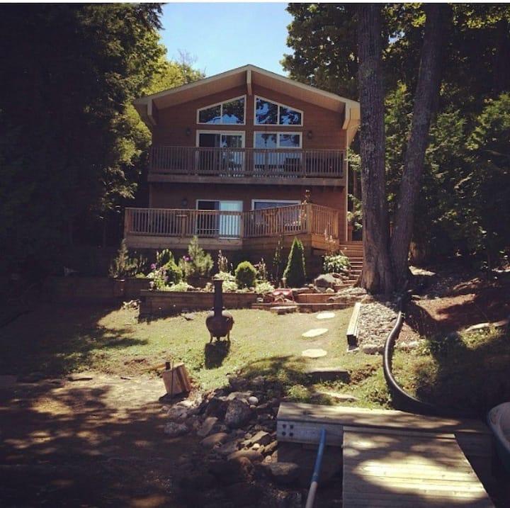 Cottage on Crystal Lake