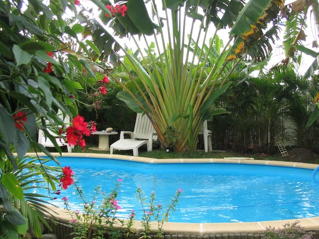 logement indépendant avec acces piscine