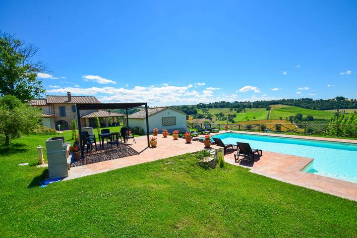 Detached villa with private pool and great views!!