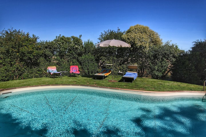 Charming Mansion in Chianacce with Swimming Pool