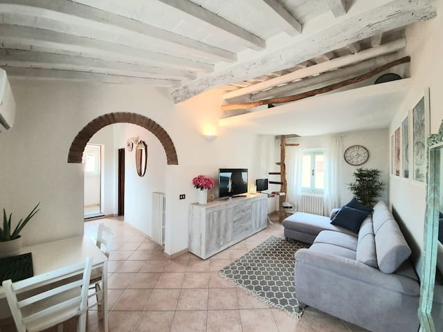Stylish apartment in the heart of Lajatico
