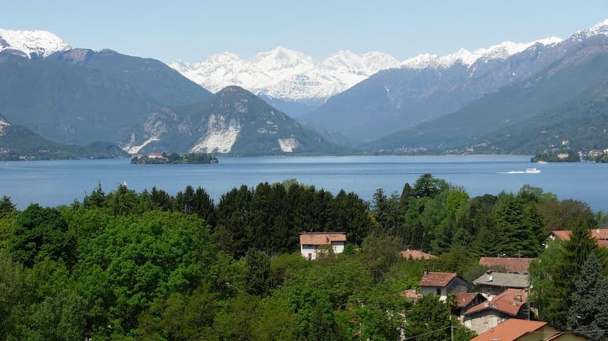 Spectacular view on lake/mountains - Laveno-Mombello