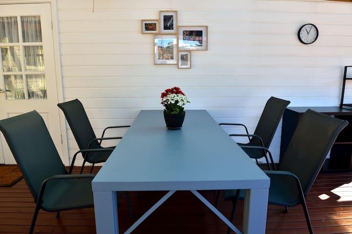 Cozy private room P, AC, study desk