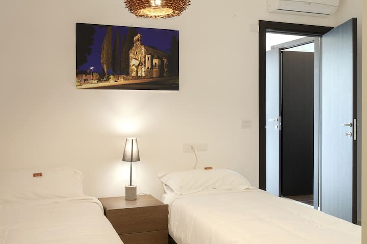 Urban Homy Gorizia - Camera Standard - Gorizia - Bed & Breakfast