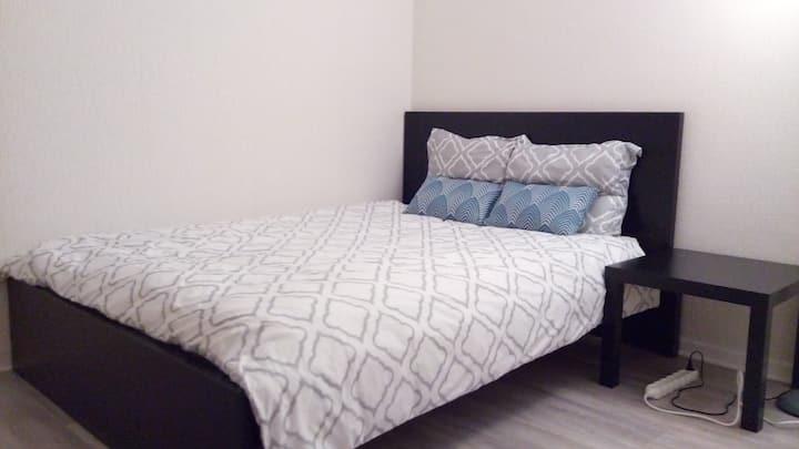 Chambre a lit double,propre et calme