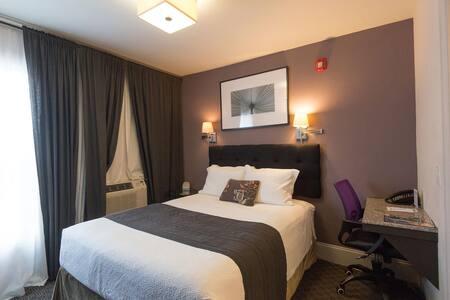 The Camas Mini-Suite Room Portland-Vancouver