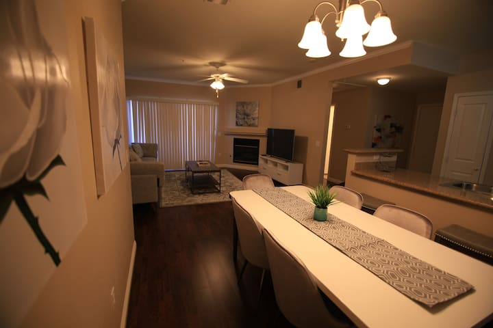 Scenic Condo/ Henderson w/ views - gym and gated