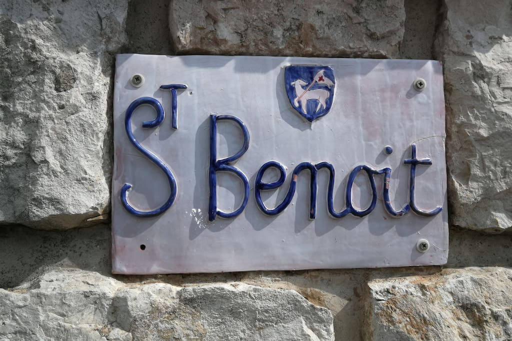 Your appartment is at garden level of villa St Benoit.
