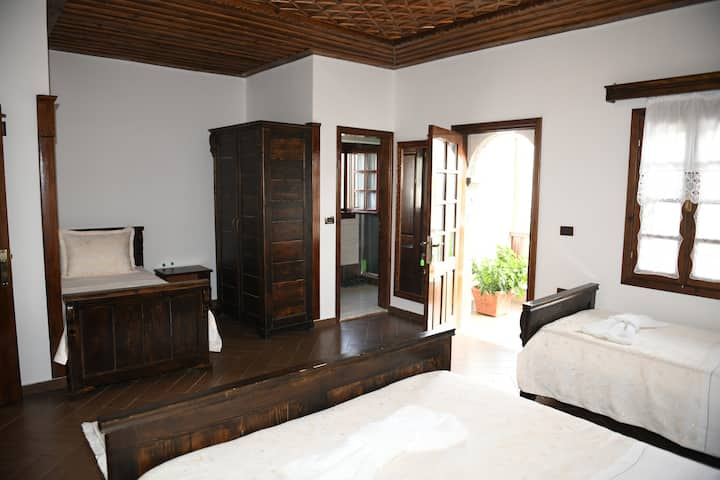 Quadruple Room, Balcony -Hotel Kaceli