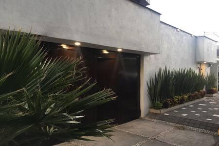 Habitación nueva en el Jardines del Pedregal - Ciudad de México - Huis