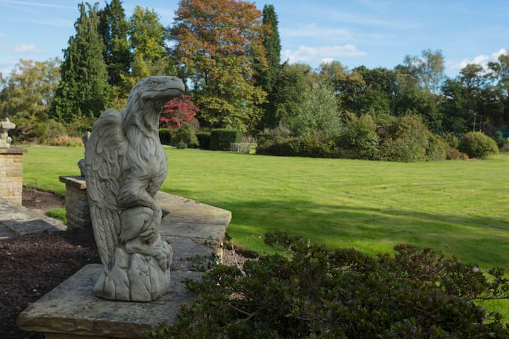 Wonderful Gardens and Statues