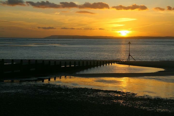 Holiday home by the sea - Bracklesham Bay - Rumah
