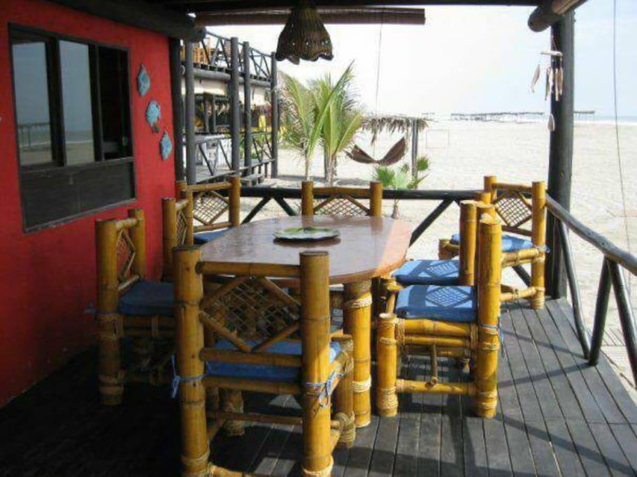 Comedor frente al mar