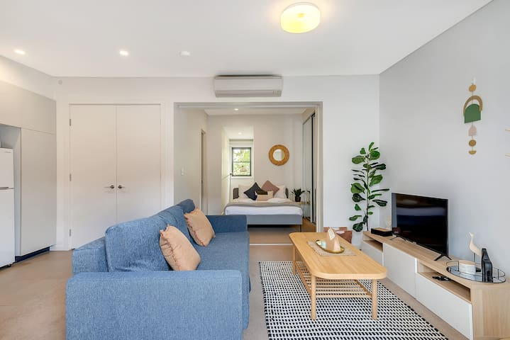 Great little 1 BR, short walk from Darling Harbour