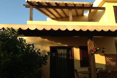 Villa relax a due passi da cefalù - Contrada Pistavecchia 1